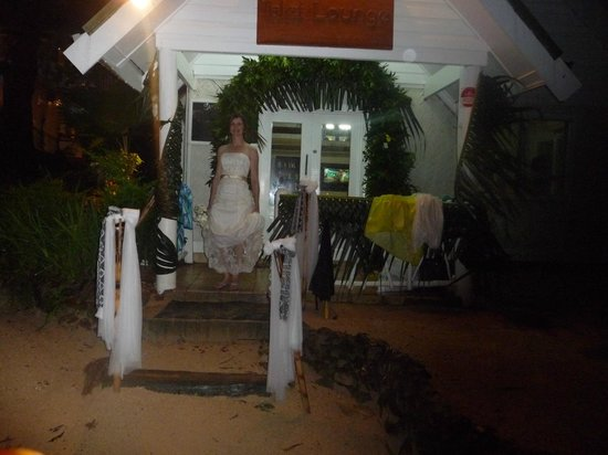 Malolo Island Resort:                   Tailai lounge, excellent staff prepared last minute wedding ceremony location