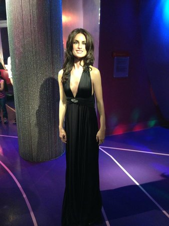 Madame Tussauds Hollywood: Penelope Cruz - she's VERY short!!