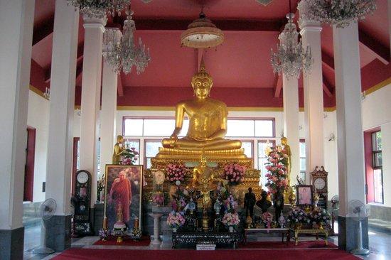 Wat Yansangwararam:                   Tempel von innen.