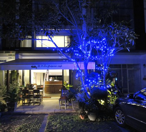@88 La Creperie Cafe: The Cafe