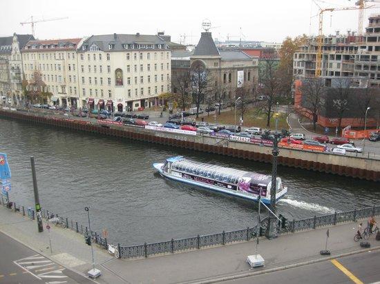 Meliá Berlin:                   Exteriores del Hotel