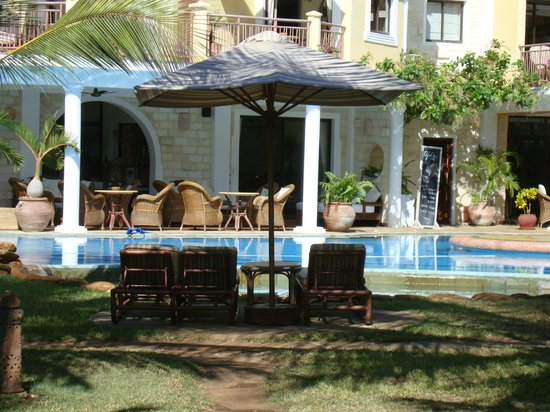 AfroChic Diani: Pool area