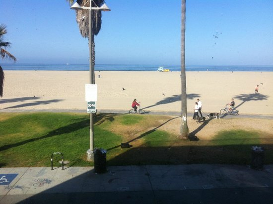 Su Casa Venice Beach :                   View from the Room