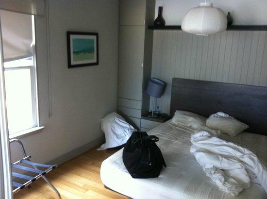 Su Casa Venice Beach :                   room