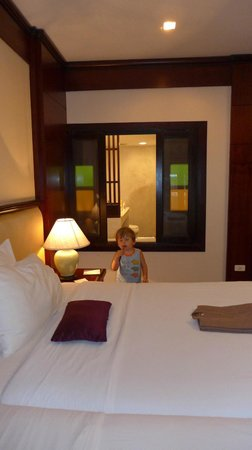 The Rim Resort: großer Raum mit anliegendem Bad