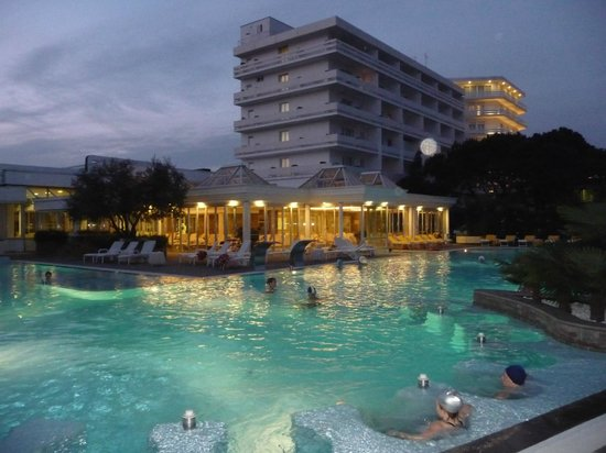 Hotel Terme Tritone Thermae & Spa: Piscina a febbraio