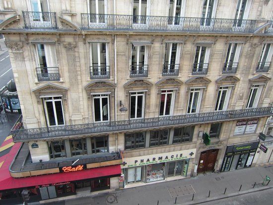 TRYP Paris Opera Hotel:                   View from room 401