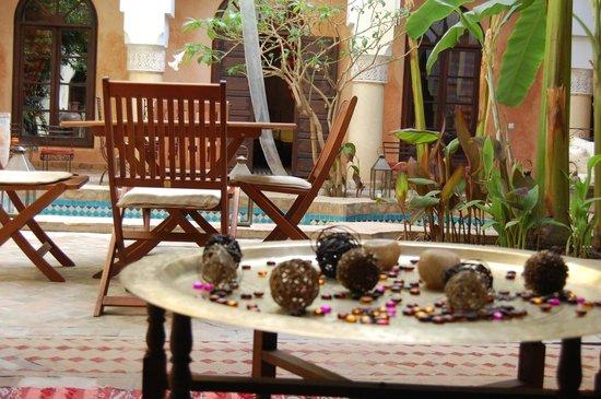 Riad Nabila:                   RElax zone