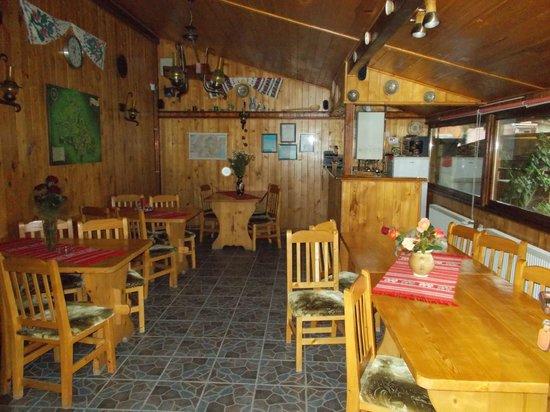 Casa Rasnoveana: restaurant