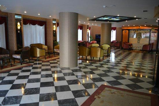 Tayhan Hotel : lobby