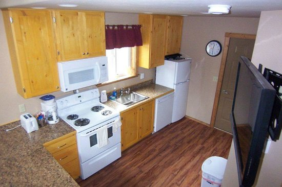 Historic Tamarack Lodge: Kitchen area of Lofted Cabin.
