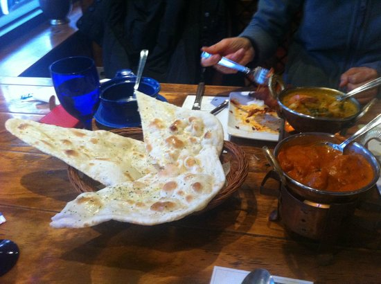 Luna Asia Indian Restaurant :                   food ( bread, curry )