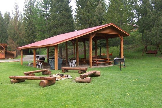 Historic Tamarack Lodge: Outdoor Pavilion for all-weather entertainment