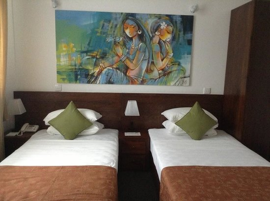 Amaara Sky Hotel Kandy:                   Artwork in room 203