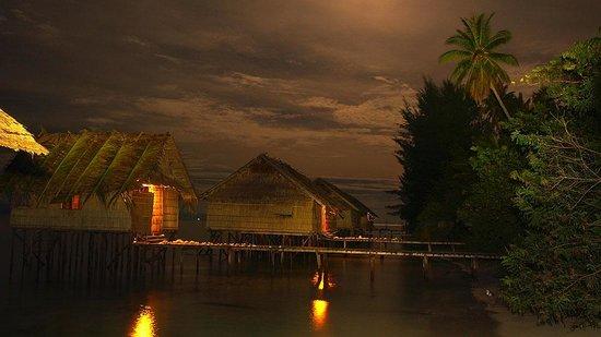 Kri Eco Resort:                   Kri eco at night