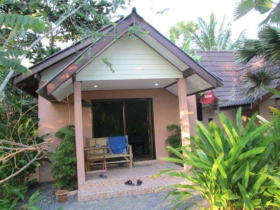 Thai House Beach Resort - Koh Lanta : Our Family Bungalow