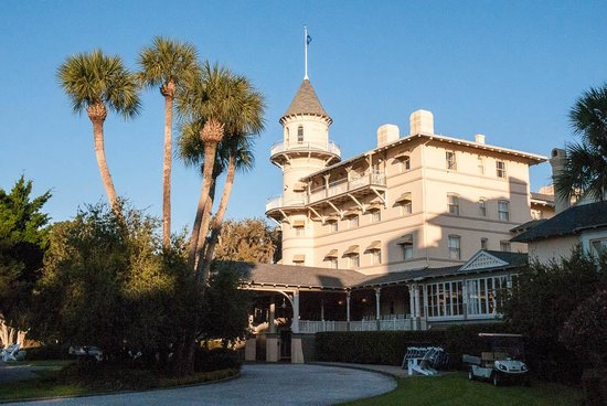 Jekyll Island Club Resort: Main building of the hotel