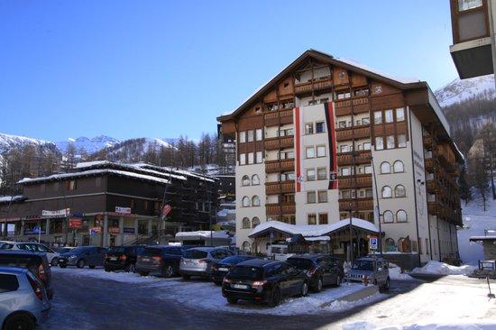 Sertorelli Sport Hotel:                   From accross the street
