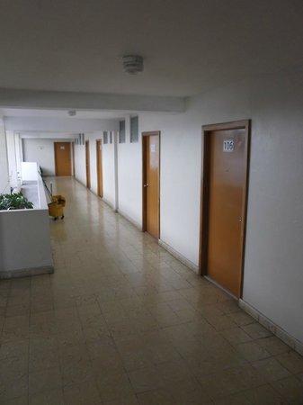 Hotel Dos Continentes :                   Corridor - 3 février 2013.