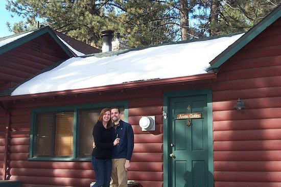 Eagle's Nest Bed and Breakfast Lodge:                   Annie Oakley Cabin