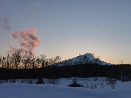 President Resort Karuizawa:                   お部屋から見えた浅間山(夕方です)