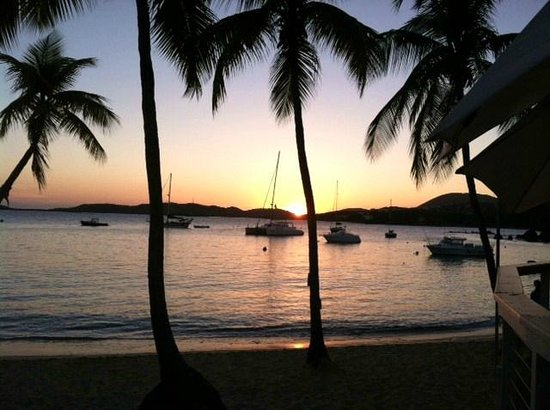 Secret Harbour Beach Resort: stellar sunset