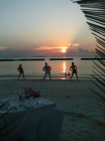 Kurumba Maldives:                   Yoga at sunset