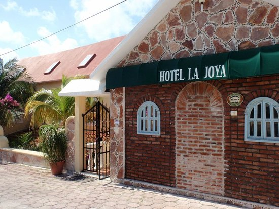 Hotel La Joya:                   Front of property before you enter the private gate.