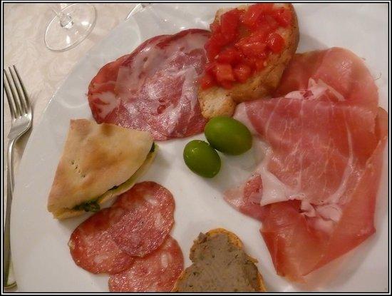 Hotel Restaurant Pallotta Assisi:                   antipasti
