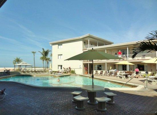 restaurant picture of thunderbird beach resort treasure. Black Bedroom Furniture Sets. Home Design Ideas