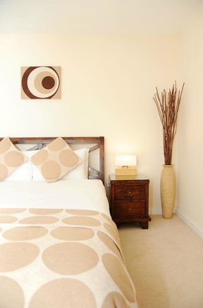 A Space in the City - Century Wharf: double bedroom