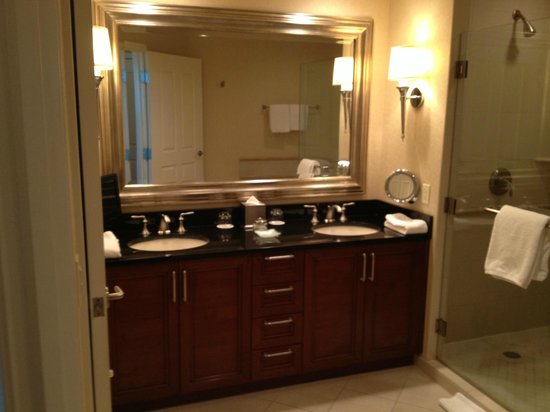 Signature at MGM Grand:                   Nice double sink