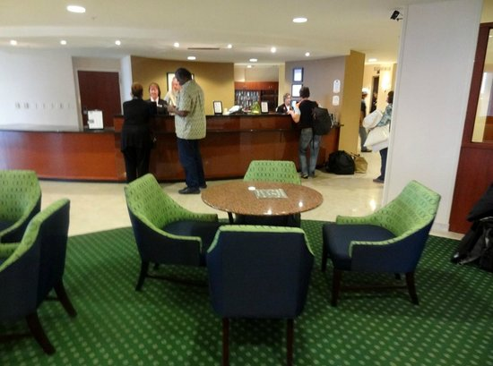 Courtyard by Marriott Jacksonville Beach Oceanfront: Check-in lobby