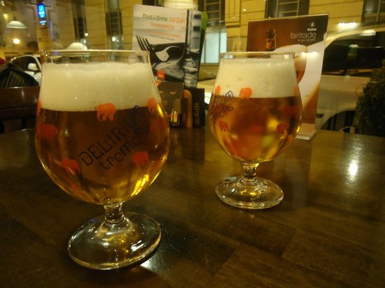 Ibis Brussels Centre Sainte Catherine: Delerium in the hotel bar! On tap!