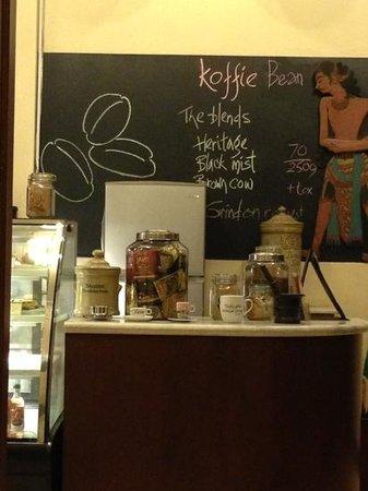 Bakoel Koffie Cikini:                   welcoming board