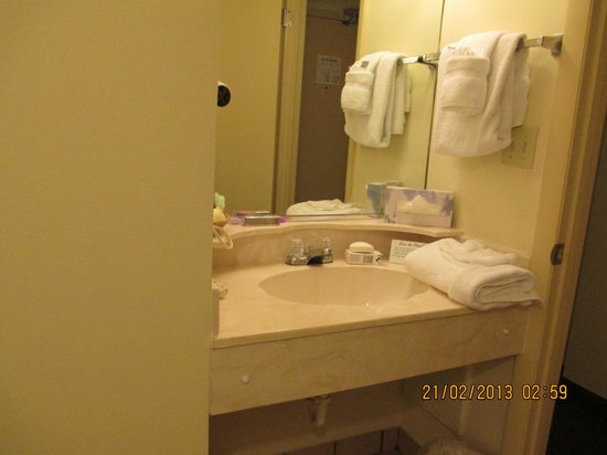 Oceanside Inn:                                     bathroom sink