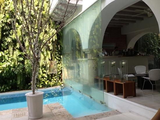 Tcherassi Hotel:                   aquabar