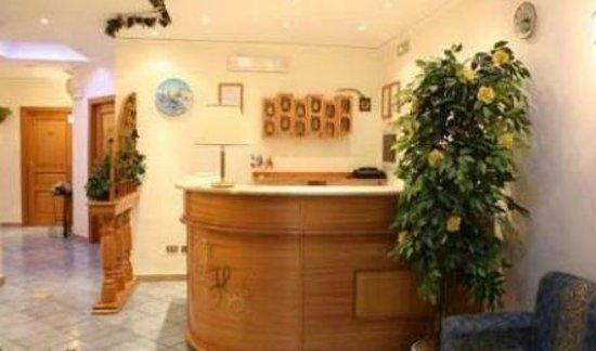 Hotel Piccolo Sogno:                   Hall