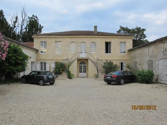 Chateau de Beau Site:                   entree majestueuse