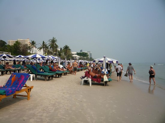 The Sea-Cret, Hua Hin: Walkable distance (~200m) to the beach