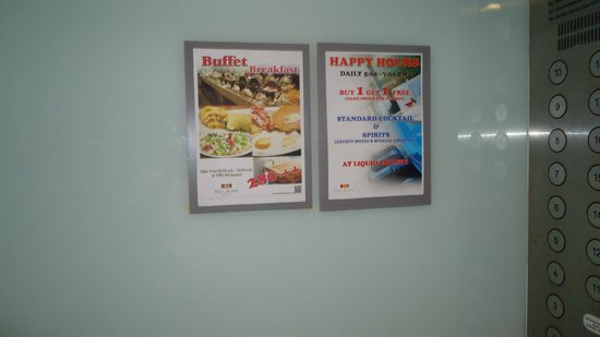 BelAire Bangkok: lift