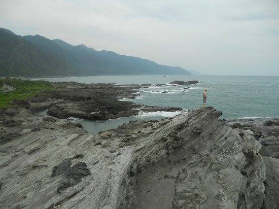 Shiti Yuan:                                     outside, along the ocean