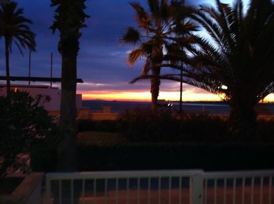 Hotel Miramar:                   amanecer