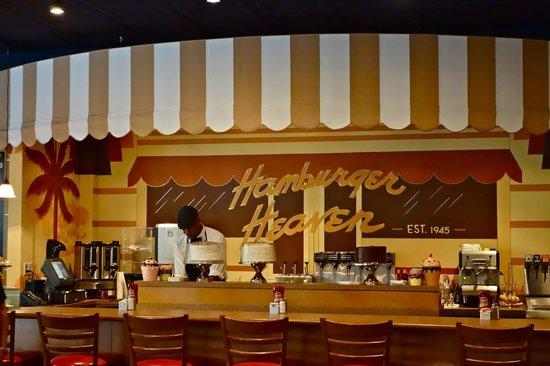 Hamburger Heaven: Inside the Dining Room