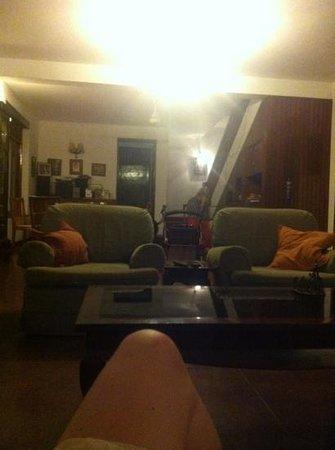 De Fonse Place:                   main room