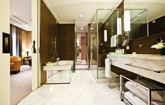 Grand Hotel Via Veneto: Bathroom