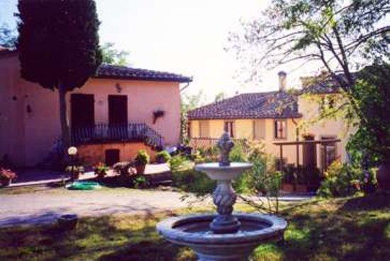 Agriturismo Sorbigliana: nel giardino