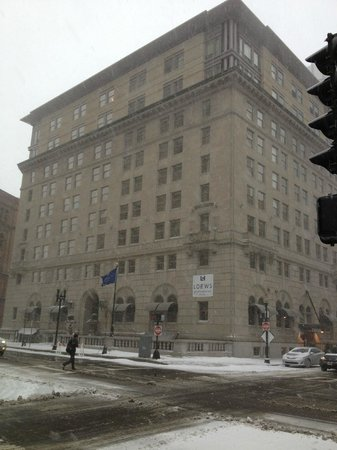 Loews Boston Hotel:                   exterior in the snow