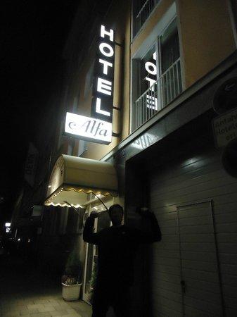 Hotel Alfa Muenchen: Hotel exterior