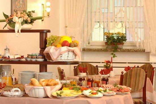 Haus Sparkuhl Hotel Garni: Frühstücksbuffet